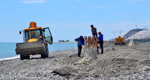 "Shore protection works in Imereti Lowland. Sochi, June 2013. Photo by Svetlana Kravchenko for the ""Caucasian Knot"""