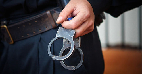 Handcuffs. Photo: Fedyor Obmaykin / Yugopolis