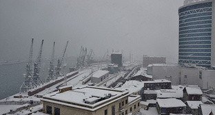 Port of Batumi during snowfall, January 3, 2016. Photo: puerrtto.livejournal.com