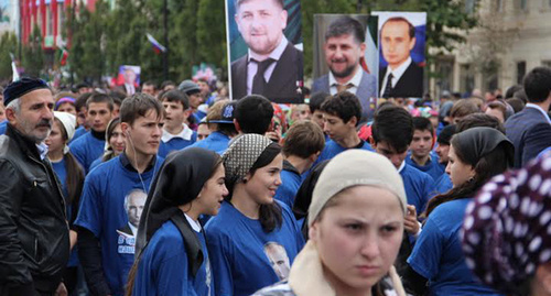 Young people at celebrations in Grozny dedicated to Putin's birthday. Photo by Magomed Magomedov for the 'Caucasian Knot'.