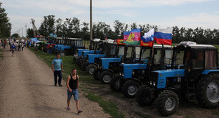 A tractor march in Kuban. Photo: https://twitter.com/melnichenko_va