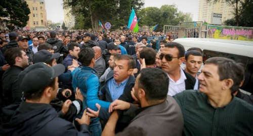 Detention of rally participants in Baku, September 17, 2016. Photo: RFE/RL