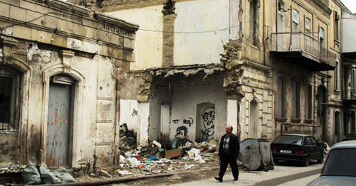 Destroyed houses of forced migrants, Baku, March 2012. Photo by Aziz Karimov for the 'Caucasian Knot'.