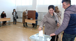 "At the polling station in Stepanakert. February 20, 2017. Photo by Alvard Grigoryan for the ""Caucasian Knot"""
