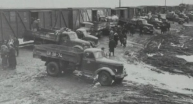 Chechen and Ingush people were delivered to the trains in the trucks. February 1944. Screenshot of a video by the user vainakh38 https://www.youtube.com/watch?v=DKmb-WX0OI0