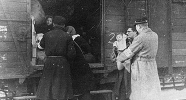 Deportation of Karachay and Balkar people. Photo: http://karachai.ucoz.ru