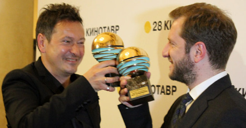"Vladislav Opelyants, cinematographer of the film ""Hostages"", and film director Rezo Gigineishvili at the closing ceremony of the 28th Kinotavr Open Russian Film Festival. Sochi, June 14, 2017. Photo by Tatyana Ukolova for ""Caucasian Knot"""