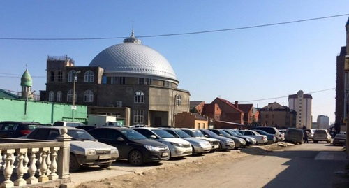 A mosque in Omarova (Hungarian Fighters) Street in Makhachkala. Photo http://islamcenter.ru/?item=1505