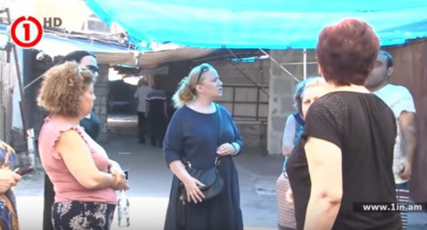 Sellers protest against dismantling of Firdusi market, Yerevan, July 2017. Screenshot: https://www.youtube.com/watch?v=I6OcYfCCGL0