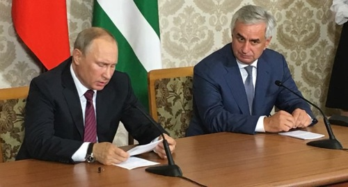 "President Vladimir Putin at the meeting with Raul Khajimba, President of Abkhazia. Abkhazia, August 8, 2017. Photo by Dmitry Stateynov for ""Caucasian Knot"""
