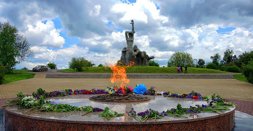 An Eternal flame near the memorial to the victims of Nazism. Rostov-on-Don. Photo Rost.galis https://ru.wikipedia.org