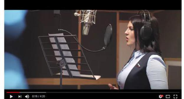 Screenshot of the video with a song performed by Anna Kuvychko and pupils of the cadet classes in Volgograd