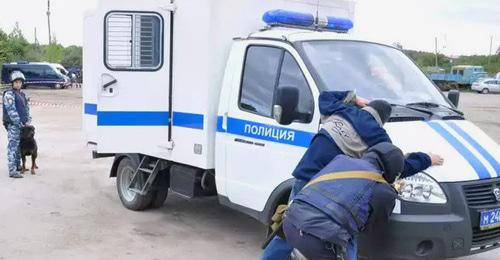 Detention by law enforcers. Photo: press service of the National Antiterrorism Committee, http://nac.gov.ru