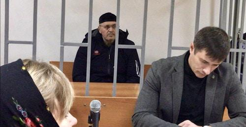 Oyub Titiev and his advocate Petr Zaikin in the courtroom. Photo by the 'Caucasian Knot' correspondent.