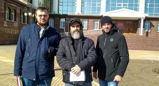 Mikhail Anisenko (centre) at the Astrakhan Regional Court, February 16, 2018. Photo by the Caucasian Knot correspondent.