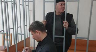 Advocate Petr Zaikin (left) and Oyub Titiev in the court, March 19, 2018. Photo: press service of Human Rights Centre 'Memorial'