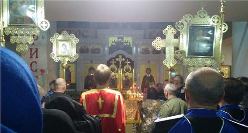 Parishioners attend  Kizlyar church service. Photo by the Caucasian Knot correspondent