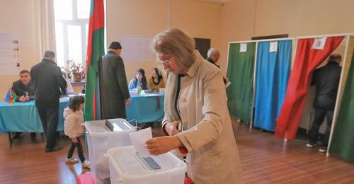 At a polling station on election day, Baku, April 11, 2018. Photo by Aziz Karimov for the Caucasian Knot