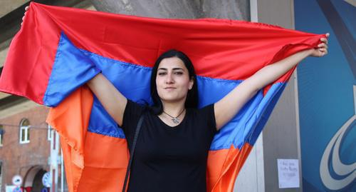 Protester in Yerevan. Photo by Tigran Petrosyan for the Caucasian Knot