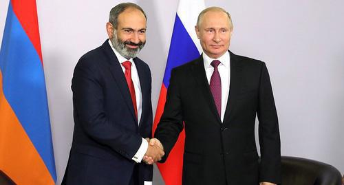 Russian President Vladimir Putin (on the right) with Nikol Pashinyan, the Prime Minister of Armenia. Photo http://kremlin.ru/