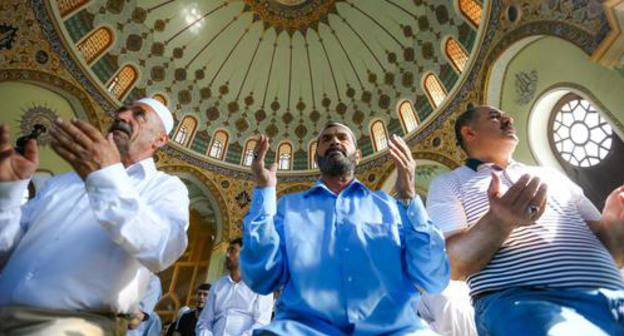 "Ramadan in the Haji Javad mosque in Baku. Photo by Aziz Karimov for the ""Caucasian Knot"""