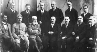 Cabinet Ministers of the Azerbaijan Democratic Republic (ADR). From left to right, sitting: A. Safikurdsky, H. Melik-Aslanov, S. Mekhmandarov, N. Usubbekov, M. Y. Djafarov, A. Gasanov and и A. N. Dostakov&#59; standing: H. Amaspyur, R. Z. Kaplanov, A. Aminov, D. Gadjinsky, V. V. Klenovsky, N. Narimanbekov. Photo: https://www.ourbaku.com