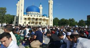Namaz in Maikop under the open sky. June 15, 2018. Photo courtesy of Eldar Cheuzh