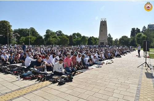 A collective namaz (prayer) under the open sky in Maikop on June 15, 2018. Photo courtesy of Eldar Cheuzh