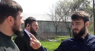 Khamzat Kadyrov (right). Screenshot from video by user prikolno 95 https://www.youtube.com/watch?v=tdrRvKUjVMI