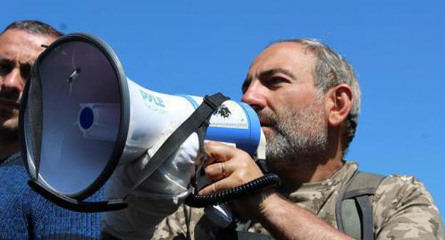 Nikol Pashinyan during protests in April 2018. Photo by Tigran Petrosyan for the Caucasian Knot.