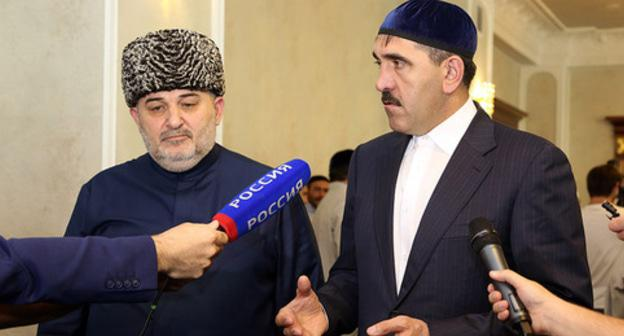 Isa Khamkhoev (left) and Yunus-Bek Evkurov. Photo: press service of Ingush leadership