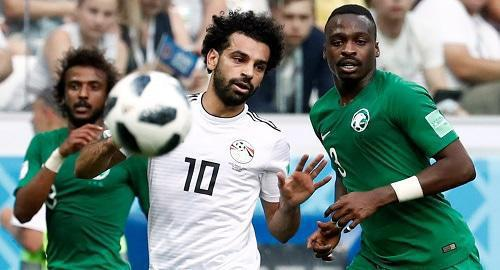 Mohamed Salah (centre), a player for the Egyptian national team, takes part in Saudi Arabia v Egypt match. Photo: REUTERS / Ueslei Marcelino