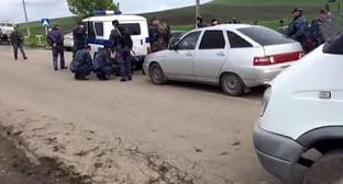 At the place of attack on road-and-patrol service officers, Ingushetia, May 12, 2017. Photo: press service of the National Antiterrorist Committee, http://nac.gov.ru