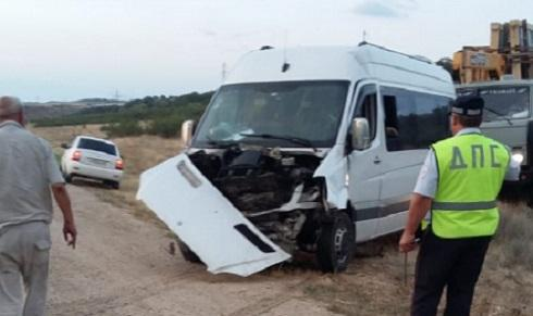 "Accident on the federal highway ""Kavkaz"" near Izberbash. Photo: http://05.mchs.gov.ru/operationalpage/operational/item/7211611/"