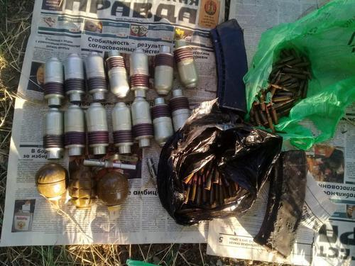 Ammunition found by law enforcers in Dagestan. Photo http://www.rosgvard.ru/ru/news/article/v-dagestane-vzryvotexniki-omon-unichtozhili-vzryvoopasnye-boepripasy