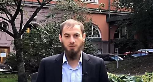 "Mansur Sadulaev, the head of the Swedish charitable association ""Vayfond"". Photo: screenshot of the video by VAY FOND  https://www.youtube.com/watch?time_continue=2&v=z3GgYTKjfIo"