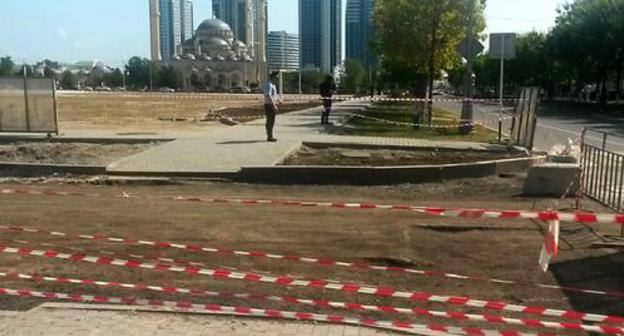 "Cordon around the square in front of a mosque in Grozny. Photo by the ""Caucasian Knot"" correspondent"