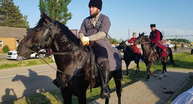 Participant of the equestrian procession in Kendelen, September 18, 2018. Photo: North Caucasus Service (RFE/RL)