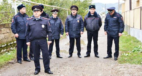 Police officers in the Islamey village of the Baksan District of Kabardino-Balkaria. Photo https://07.мвд.рф/news/item/8851462