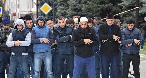 Rally participants praying, Magas, October 7, 2018. Photo is provided to the Caucasian Knot by Yakub Gogiev
