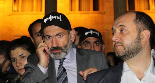 Nikol Pashinyan (left). Photo by Tigran Petrosyan for the Caucasian Knot