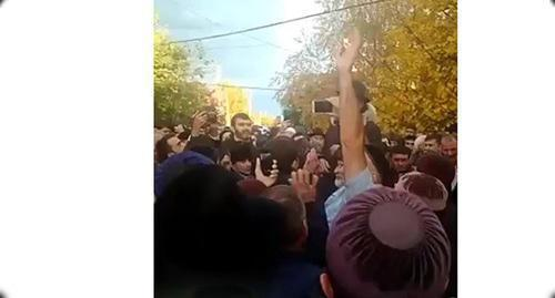 Ramzan Kadyrov visits Akhmed Pogorov, October 26, 2018. Screenshot from the video posted by user INGNEWS24 https://www.youtube.com/watch?v=zqi4JhFqX9A