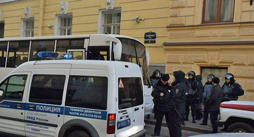 "The police near the Constitutional Court in Saint Petersburg. November 27, 2018. Photo by Dinar Idrisov for the ""Caucasian Knot"""