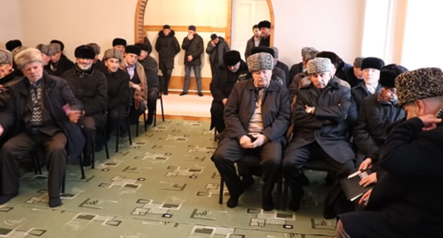 Participants of a session of the Kadis of Ingushetia held on December 25, 2-15. Screenshot of the video by the Council of Teips of Ingushetia https://www.youtube.com/watch?v=Zkhs3H9nAe8