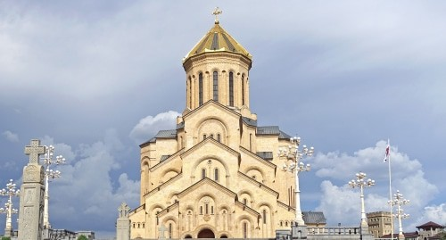 The main cathedral of the Georgian Orthodox Church located in Tbilisi. Photo: Tiia Monto, wikimedia.org/wiki/File:Holy_Trinity_Cathedral_in_Tbilisi_2.jpg