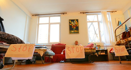 "The activists' hunger strike in support of Mekhman Guseinov. January 16, 2019. Photo by Aziz Karimov for the ""Caucasian Knot"""