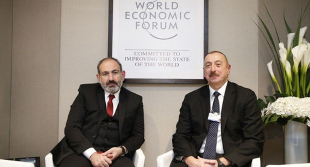 Nikol Pashinyan's (on the left) meeting with Ilham Aliev in Davos. January 22, 2019. © Photo / official site of the Prime minister of RA https://ru.armeniasputnik.am/politics/20190122/16897380/Besedovali-poltora-chasa-Pashinyan-rasskazal-o-vstreche-s-Alievym-v-Davose.html