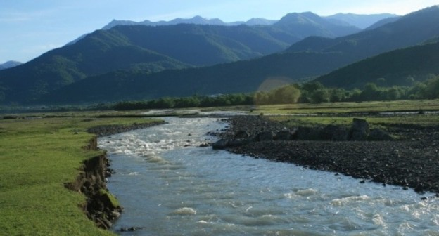 Alazani River. Photo: A. Mukhranov,  travelgeorgia.ru, https://commons.wikimedia.org/w/index.php?curid=33422276
