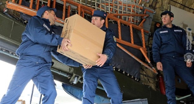 Armenian servicemen loading cargo before going to Syria. Photo: press service of the Ministry of Defence of Armenia, http://mil.am/ru/news/5921