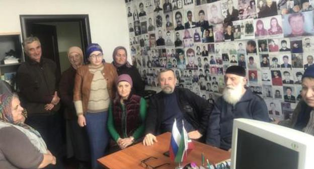 Relatives of the people disappeared during the war at a meeting with Alexander Mukomolov, a member of the presidential Human Rights Council (HRC), in March 2019 in Grozny. Photo from the website of the HRC, http://president-sovet.ru/presscenter/news/read/5345/